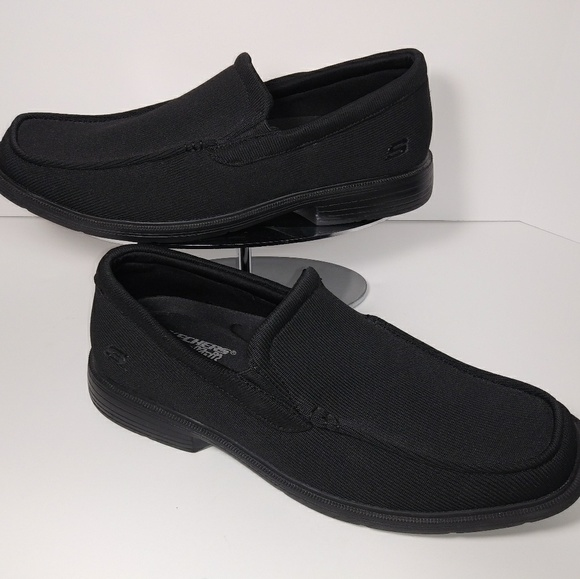 Men's Sketchers Dress Knit Relaxed Fit Size 8.5